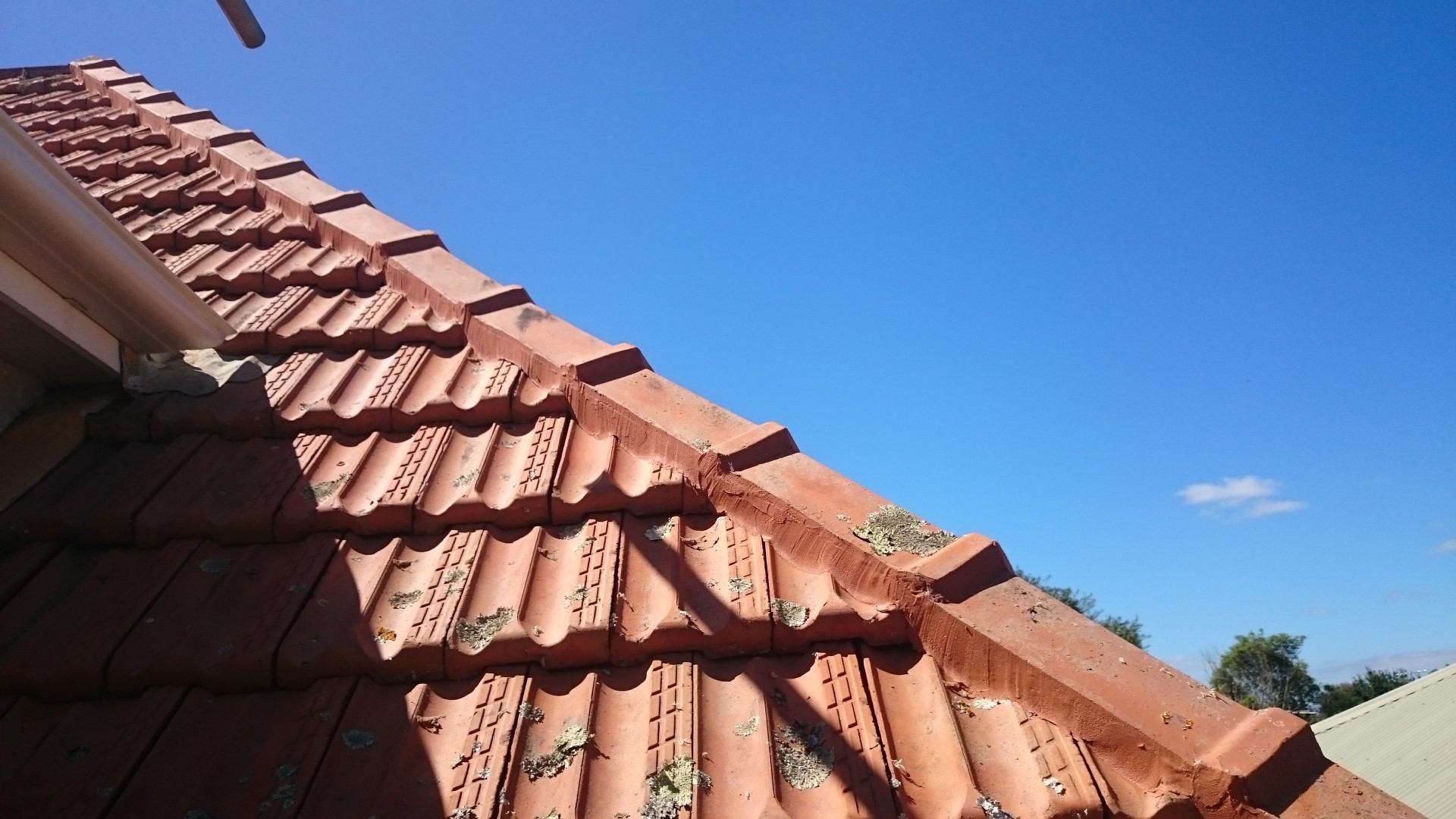 corner-of-clay-roof